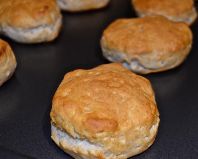 No Fuss Biscuits N' Gravy