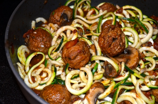 One Pot Meatballs n' Zoodles