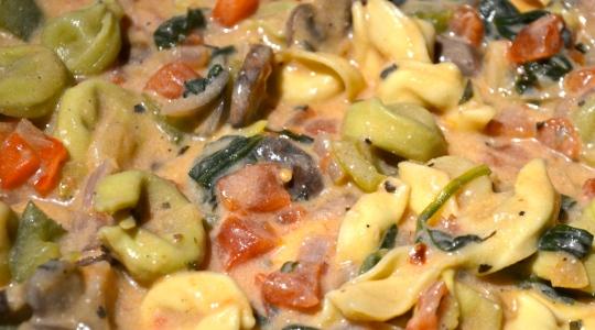 One Pot Creamy Mushroom Tortellini Pasta