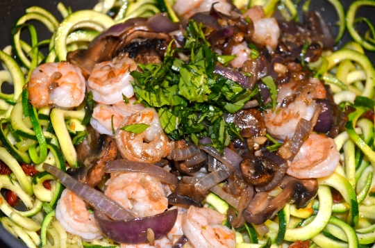 15 Minute Garlicky Shrimp and Zoodles